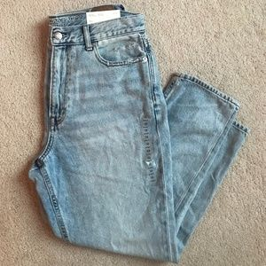 NWT American Eagle Distressed Mom Jeans
